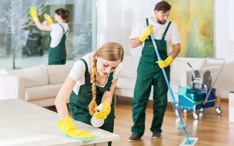 Почему самостоятельная уборка квартиры – это потеря времени?